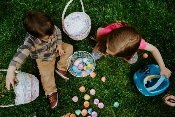 Our guide on how you can pull off a successful Easter Egg hunt!